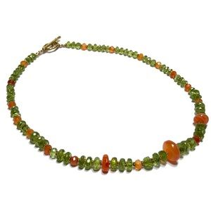 VINTAGE GREEN CRYSTAL & AGATE BRADED NECKLACE